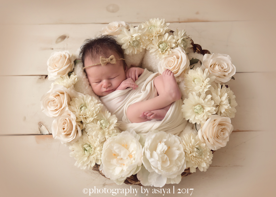 Newborn Photos With Flowers